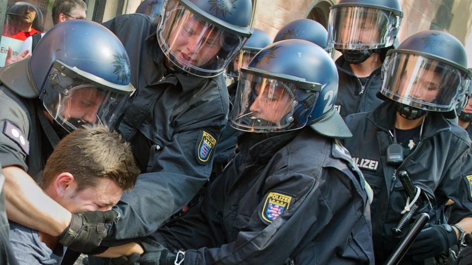 Gewerkschaft sieht Polizisten 'an der Belastungsgrenze'