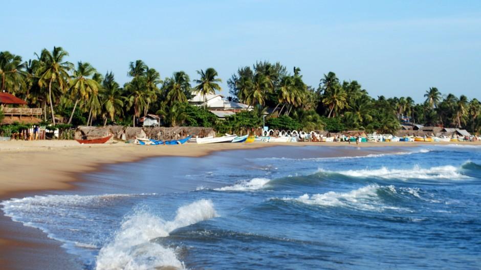 Strand von Arugam Bay an Sri Lankas Ostküste