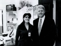 (FILE) Vanity Fair Publishes Monica Lewinsky Articles On Clinton Affair Monica Lewinsky meets with President Clinton
