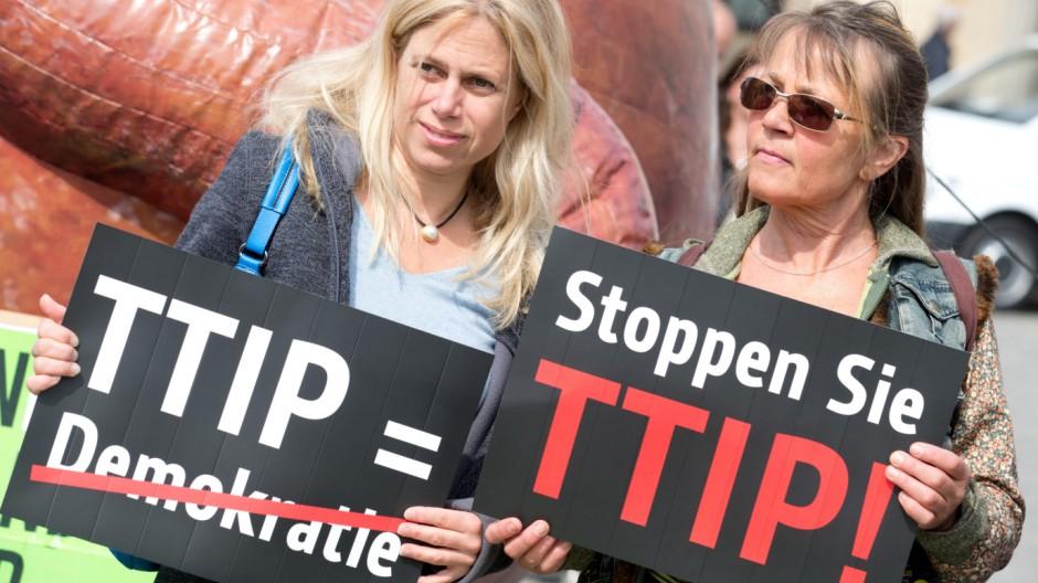 Protestaktion gegen das EU-US-Freihandelsabkommen TTIP