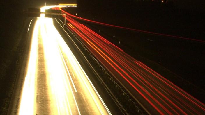 Autobahn A9 bei Nacht