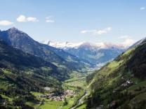 Blick auf das Passeiertal in Südtirol