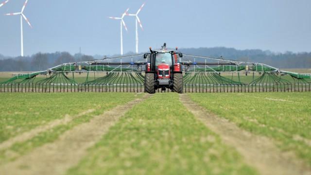 Gülle auf Feldern in Niedersachsen