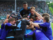 SpVgg Greuther Fuerth v Hamburger SV - Bundesliga Playoff Second Leg