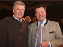 Dieter Reiter und Josef Schmid beim Starkbieranstich auf dem Nockherberg, 2014