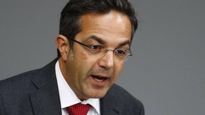 Navid Kermani bei seiner Rede im Bundestag Grundgesetz