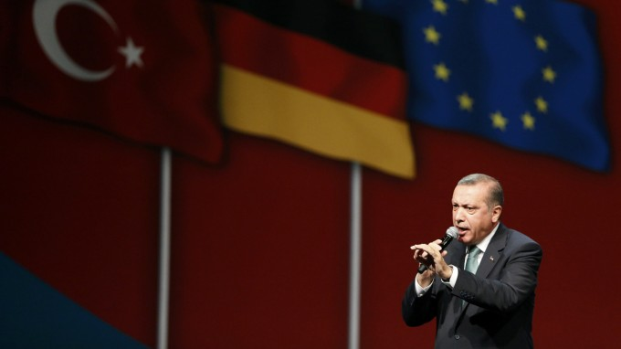 Schon vor drei Jahren betrieb der damalige Premierminister Erdoğan Wahlkampf für sich in Köln (Foto: REUTERS)
