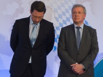 CSU-Generalsekretär Andreas Scheuer (l.) und der CSU-Spitzenkandidat für die Europawahl, Markus Ferber.
