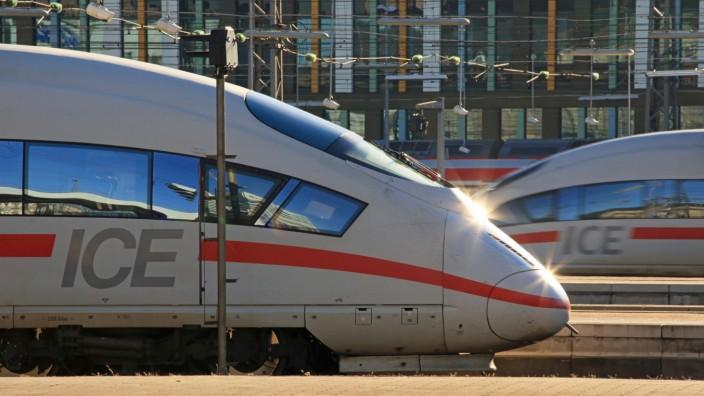 Fernverkehr, ICE 3 in München Hauptbahnhof