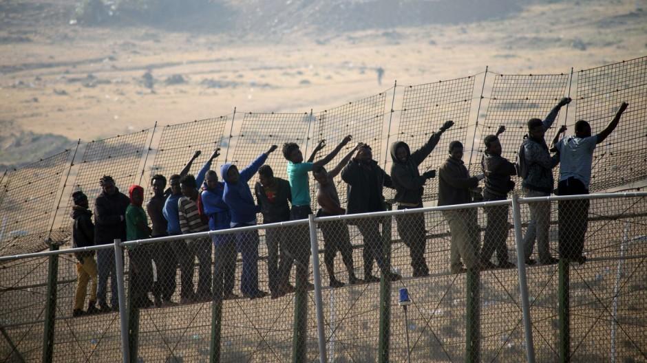 Flüchtlinge Melilla Zaun Spanien Marokko