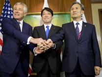 Chuck Hagel, Kim Kwan-jin und Itsunori Onodera in Singapore