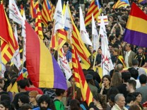 RALLY IN SUPPORT OF A REPUBLICAN STATE IN SPAIN AFTER KING JUAN C; spanien+jetzt.de