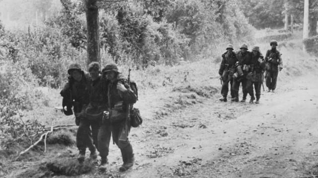 Verwundete Soldaten der Waffen-SS in der Normandie, 1944