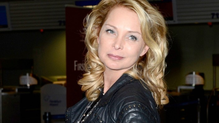 Corinna Drews bei der Abreise der Dschungelcamp Kandidaten der RTL Reality TV Show Ich bin ein Star
