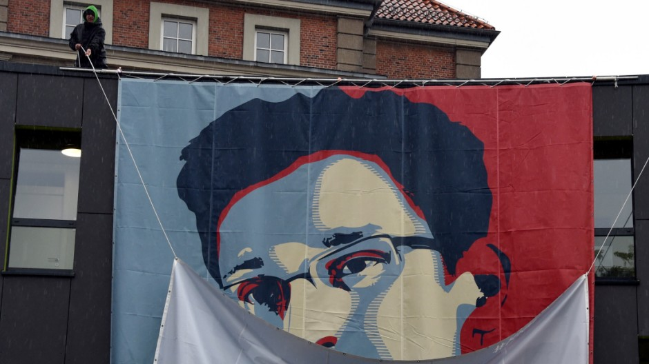 Snowden Plakat an Kieler Kunsthochschule