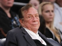 Donald Sterling, V. Stiviano