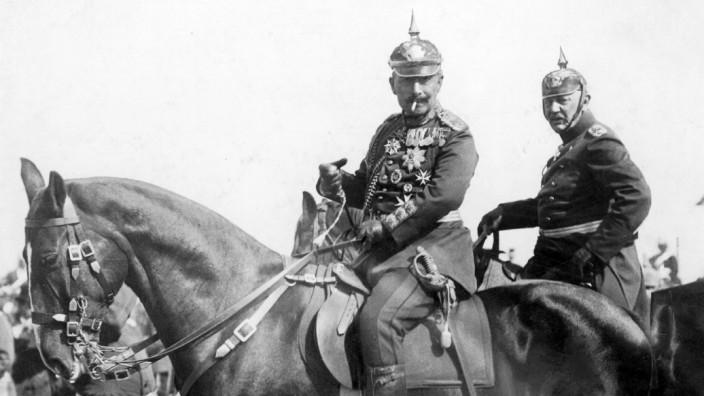Kaiser Wilhelm II. und Helmuth von Moltke im Manöver, 1911