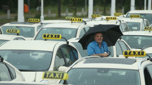 Taxi Drivers Protest New Internet Services