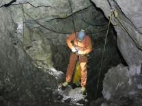 Man Lies Injured 1,000 Meters Underground
