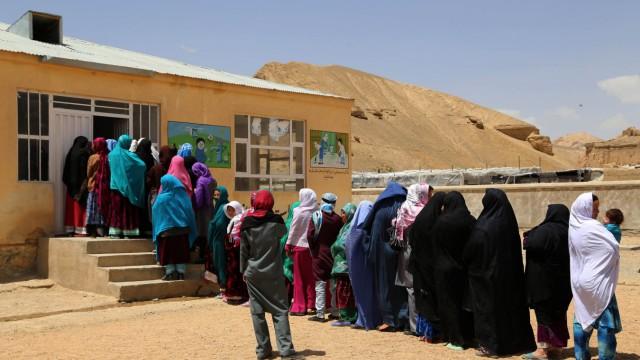Wahl in Afghanistan Stichwahl um Präsidentenamt