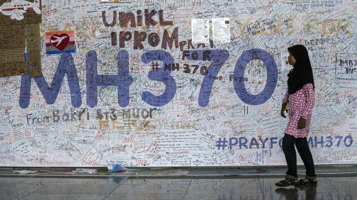 Continuing search for the Malaysian Airlines flight MH370
