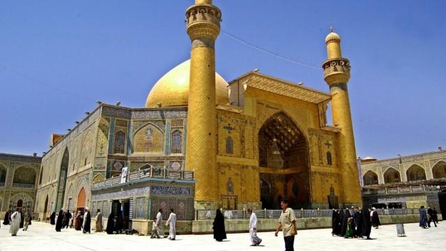 Die Imam-Ali-Moschee in Nadschaf, Irak. Für Schiiten ist sie eines der wichtigsten Heiligtümer, weil sie davon ausgehen, dass hier Ali Ibn Abi Talib beerdigt wurde. Sunnitische Extremisten haben in de