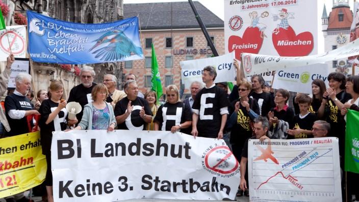 Demo, Marienplatz, Aktion gegen die geplante dritte Startbahn, BÜNDNIS 90 / DIE GRÜNEN