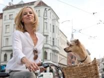 "Bettina Rust moderiert ""Stadt, Rad, Hund"""