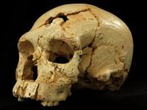 Totenschädel aus spanischer Höhle