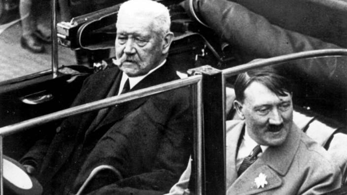 Paul von Hindenburg, Adolf Hitler