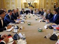 Treffen der führenden Sozialisten und Sozialdemokraten in Paris