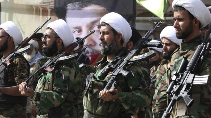 Kämpfer der Mahdi-Armee von Iraks Schiitenführer al-Sadr