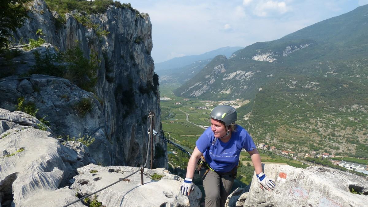 Klettersteig Gardasee : Klettersteige am gardasee für einsteiger: via ferrata dei alpen