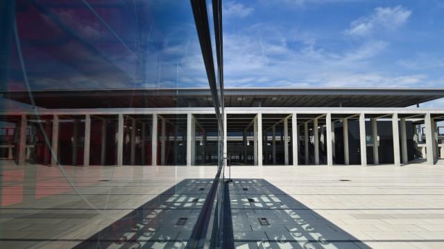 Berliner Flughafen Ber Mehdorn Wirft Den Tüv Raus Wirtschaft