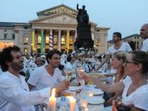 """Diner en blanc"" in München, 2013"