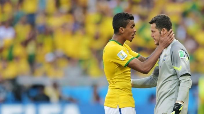 Brazil v Chile: Round of 16 - 2014 FIFA World Cup Brazil
