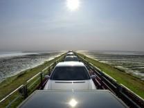 Ein Autozug auf dem Hindenburgdamm