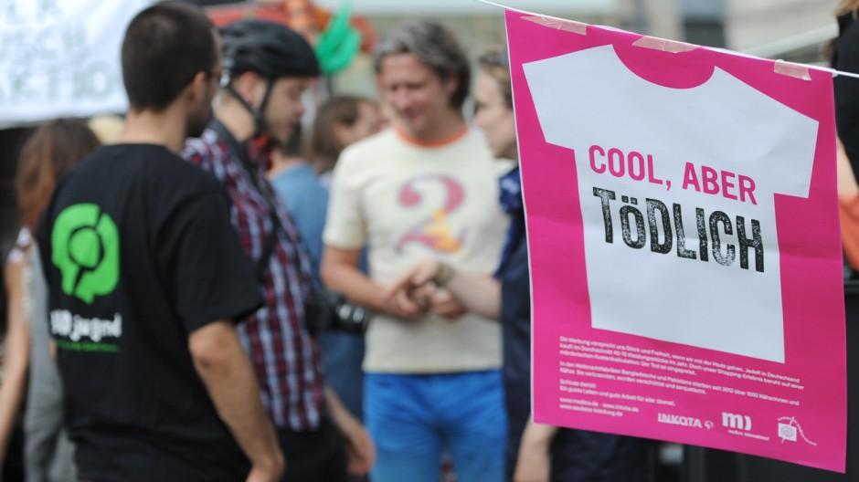Protestaktion anlässlich der Eröffnung einer Primark-Filiale