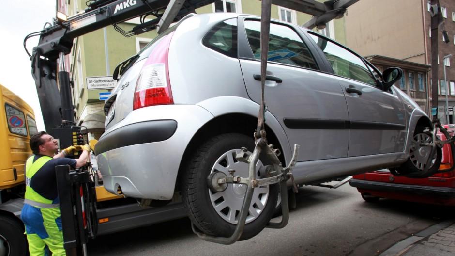 Die Sache mit dem Haken: Wenn das Auto abgeschleppt wird