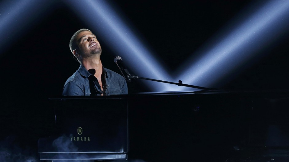 Robin Thicke performs 'Forever Love' during the 2014 BET Awards in Los Angeles