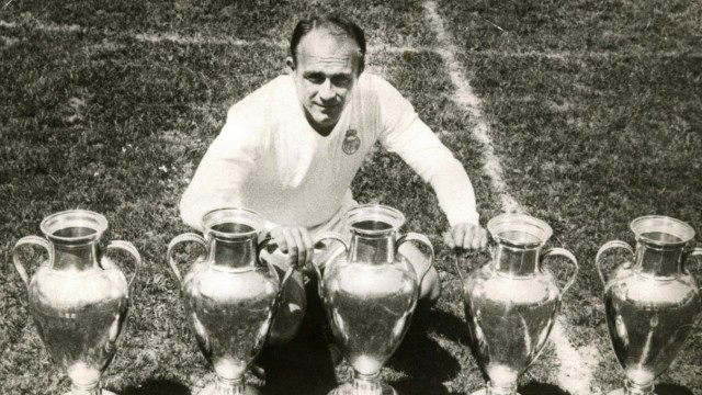 Former Spanish football star Di Stefano dies at the age of 88