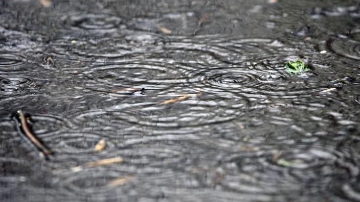 Bei Regen Geld zurück: Bundesgericht prüft Möbelhaus-Werbung
