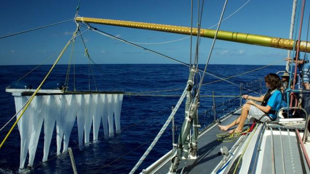 The Ocean Cleanup: Ein Schiff testet die Filter.