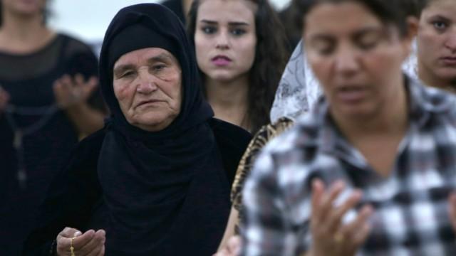 Irakische Christen beten in der kurdischen Provinz Ninive