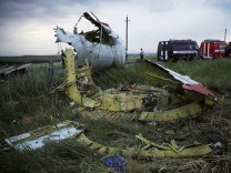 Malaysia Airlines Boeying 777 flight crashes in east Ukraine
