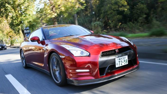 Der Nissan GT-R im Fahrbericht