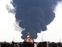 Oil tankers catch fire near Tripoli airport