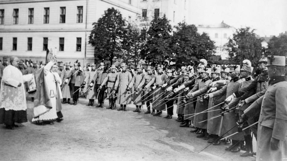 Waffenweihe in Wien, 1914 | Weapon consecration in Vienna, 1914