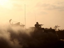 Israeli soldiers at Gaza border