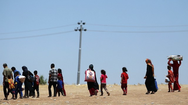 Refugees Fleeing ISIS Offensive Pour Into Kurdistan